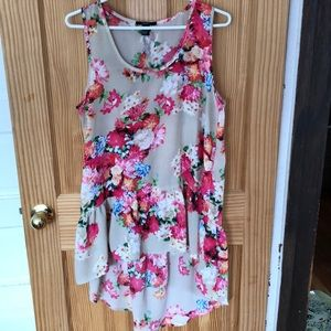 Floral sleeveless Short front long back blouse